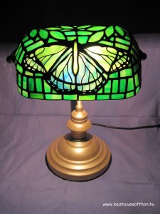 Pillango tiffany lampa