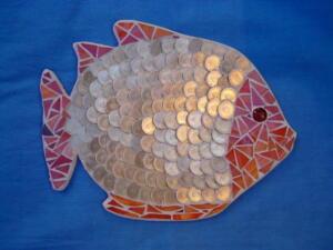 Üvegmozaik hal dekoráció - mozaik technikával, 1 forintosokkal kirakva
