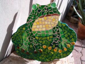 Mozaik készítés üvegből - béka formájú üvegmozaik