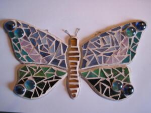 Pillangó formájú üvegmozaik
